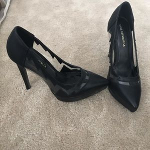 Black high heels 🖤 size 7.5